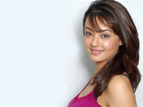 surveen chawla family surveen chawla wiki biography age movies family