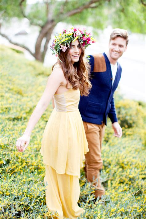 68 flower crown ideas to complete your wedding hairstyle snippets whispers ribbons 68 chic vintage brides