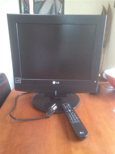 Tv Lg 14 Inch Flat 15 inch lg flat screen tv with remote saanich sidney mobile