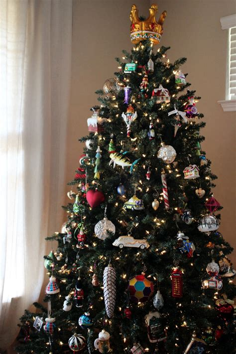 how many ornaments for christmas tree o trees gusto grace