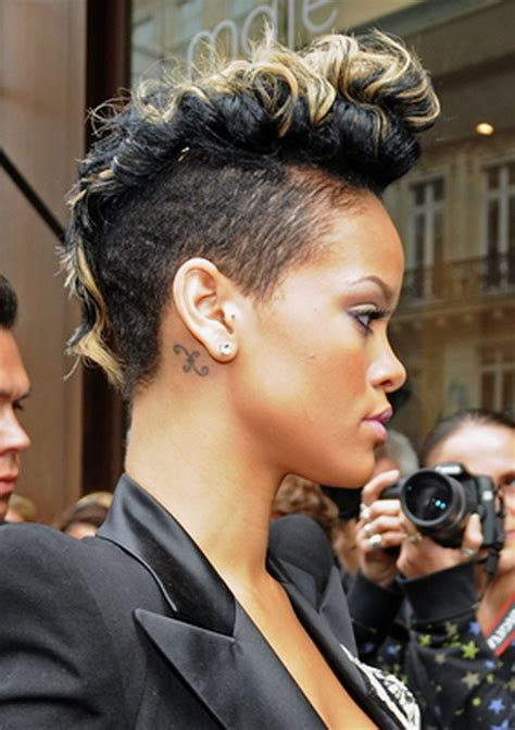 Rihanna Mohawk Hairstyles by Get Rihannas Curly Mohawk Hairstyle Models Picture