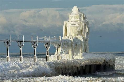 Worst Snowstorm In History 12 Fascinating Images Of Extreme Cold Weather Conditions