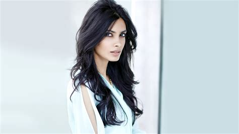 latest girl wallpaper diana penty bollywoood girl latest new hd wallpaper