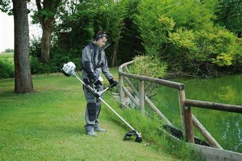 Quanto Costa Un Giardiniere by Decespugliatori Prezzi Attrezzi Giardino Quanto Costa
