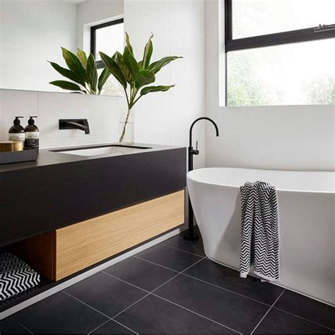 Black N White Bathrooms by 17 Best Ideas About Black White Bathrooms On