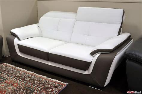divano letto 2 posti offerta divano in offerta 2 posti in pelle con poggiatesta