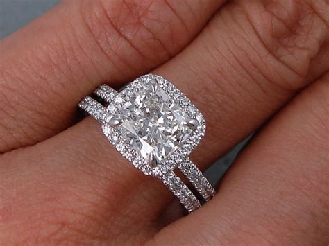 2.15 CTW CUSHION CUT DIAMOND WEDDING RING SET H SI1