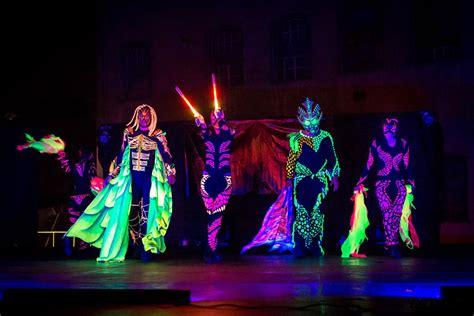 blacklight dinner hire black light show slovakia hire uv show slovakia