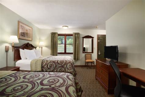 barrington room days inn great barrington updated 2018 hotel reviews price comparison ma tripadvisor