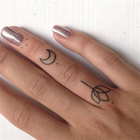 tattoo designs for fingers for girl best 25 finger tattoos ideas on