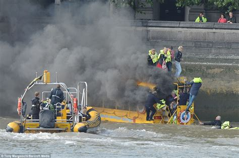 river thames duck boat duck boat fire rescue on the thames river end time bible
