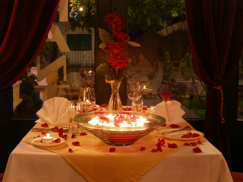 romantic dinner romantic candlelight dinner www imgkid com the image