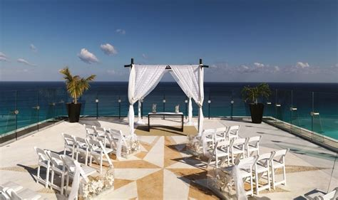 Beach Palace Wedding   Modern Destination Weddings