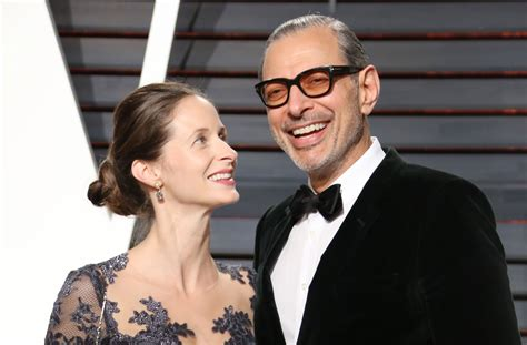 actor jeff goldblums wife emilie livingston reveals     therapist  deciding