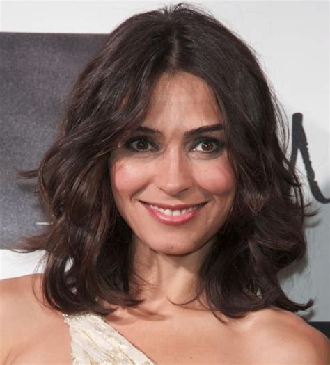 medium length hairstyles for narrow faces 80 best images about to cut or not to cut on pinterest