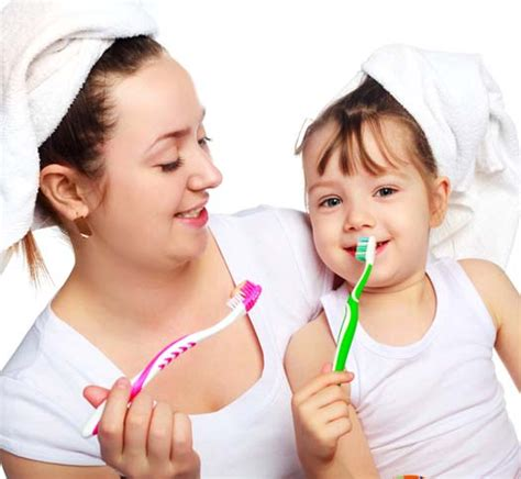 Pasta Gigi Ukuran Kecil mengajarkan 14 cara menyikat gigi pada anak cara merawat bayi tips kehamilan