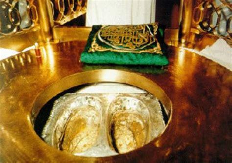 Miniatur Masjidil Haram Ka Bah maqam ibrahim batu dari surga tapak pijakan pembangunan
