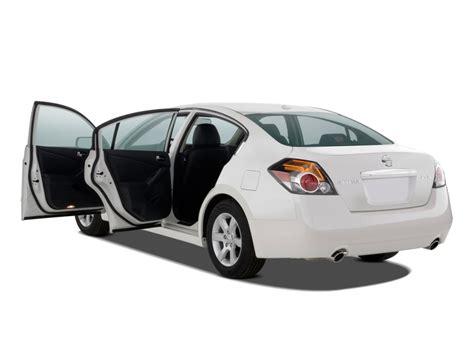 image 2009 nissan altima 4 door sedan i4 cvt open doors