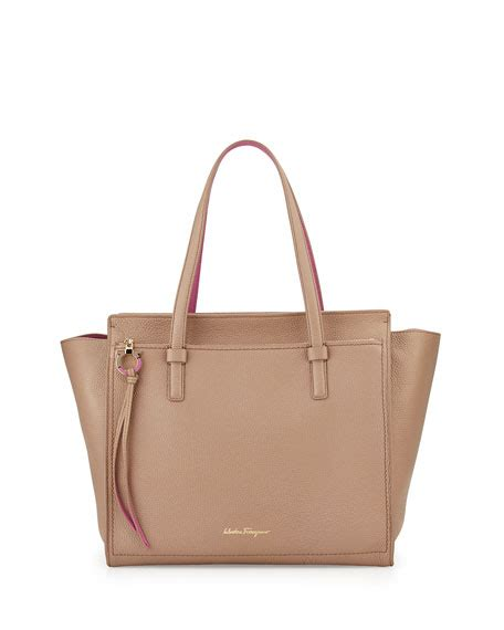 Pw Totebag Large Tas Totebag salvatore ferragamo gancio large leather tote bag