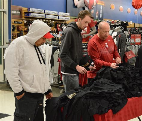 sporting goods hoover alabama alabama fans flock to sporting goods to buy