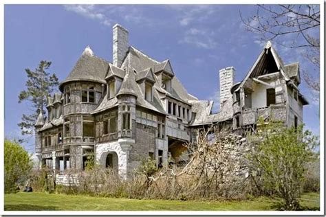 top 10 haunted homes for sale ghost homes people can buy