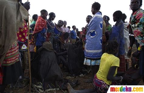 Wanita Dewasa Sunat Foto Foto Menengok Tradisi Sunat Wanita Ala Kenya Merdeka Com