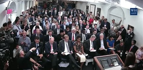 white house press corps media fails to ask about trump s support for racists at first briefing since