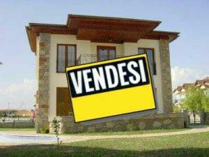 documenti per vendere casa vendere casa senza agenzia come farlo tra privati rischi