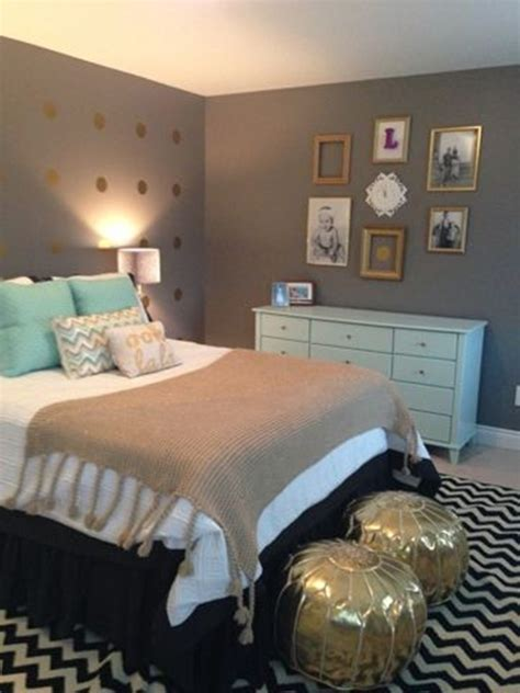 Grey And Gold Bedroom | 20 grey bedrooms messagenote