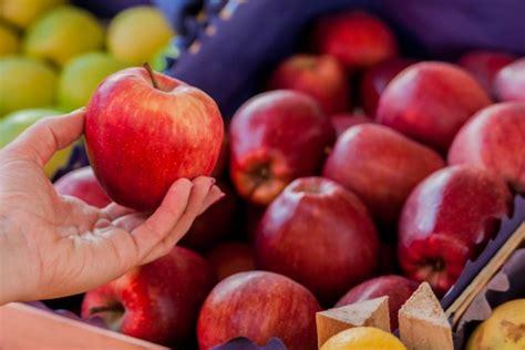 imagenes mercados verdes manzana pelados fotos y vectores gratis