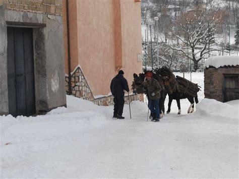 meteo camerata nuova camerata sotto la neve parco naturale regionale monti