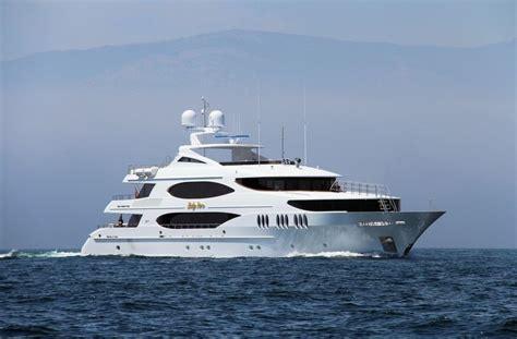 yacht surat lady sura superyacht by trinity yachts llc superyacht