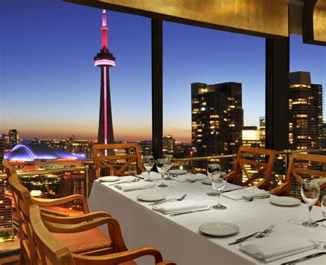 top ten bars in toronto top 10 restaurants in toronto with the most stupendous views locations