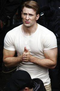 chris evans bench press chris evans captain america workout routine diet plan