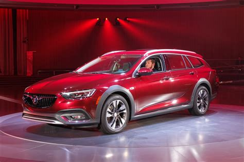 new buick regal 2018 2018 buick regal wagon tourx pictures gm authority