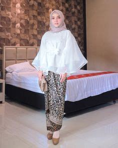 Kebaya Modern Batik Sarimbit Keluarga Lowo Anggita Truntum Batw 100 likes 2 comments modest fashion inspiration thehijabtrend on instagram about time we