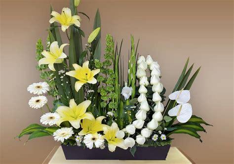 imagenes de gladiolas blancas coronas f 250 nebres arreglos f 250 nebres y flores para funeral