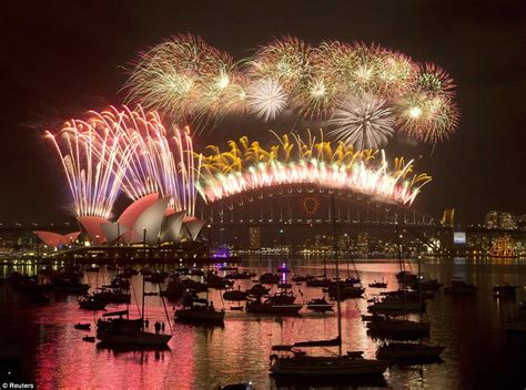 new year fireworks sydney 2015 sydney kicks new year celebrations with seven tonnes