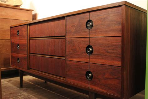 distinctive furniture by stanley desk mid century modern walnut credenza by stanley 29royal