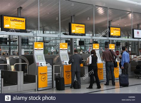 mobile lufthansa check in airport terminal lufthansa check in machines