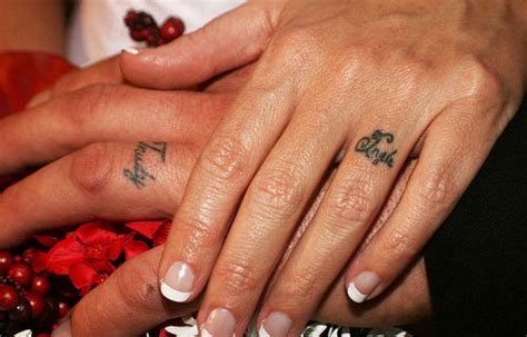 forever couple tattoos 25 slick wedding ring tattoos creativefan