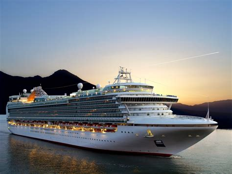 cruise ship cruising between and injury disease how