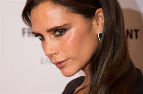 victoria beckham is removing her hebrew tattoo does this