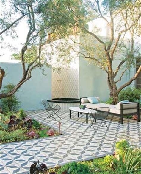 Terrasse En Ciment by Sol En Carreaux De Ciment Pour D 233 Limiter Une Terrasse