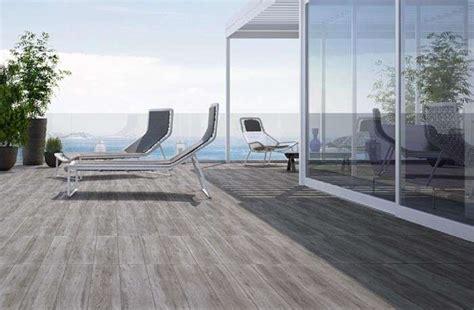 pavimento esterno finto legno pavimento in finto legno per esterni foto 13 40 design mag