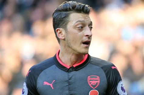the biography of mesut ozil arsenal news wenger should drop ozil for wilshere keown