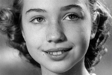 hillary clinton s childhood never thought to look at hillary clinton as a pop icon