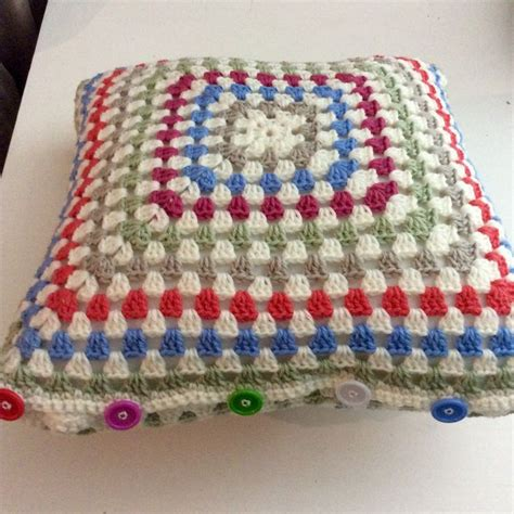 crochet sofa cover patterns 1000 images about cushion covers on cushions