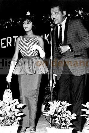 Baju Kebaya Era 60 An didiy fashion bergaya dengan peplum style
