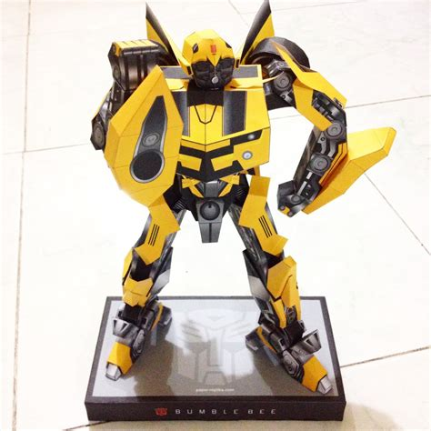How To Make A Paper Transformer Bumblebee - transformers bumblebee papercraft pepakura by leilabels